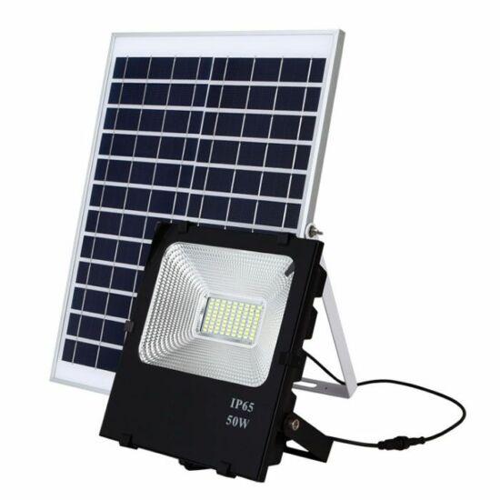 Napelemes LED reflektor (PIR, 50W)